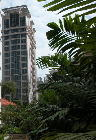 Singapore's downtown condo, low density. Mutiaria Crest
