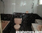 Singapore condos. Devonshire Lodge master bathroom