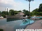 Water flows over the edge pool of Newton 18, Singapore