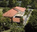 A modern Singapore bungalow